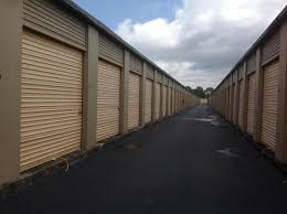 Do you need storage for the moving day in Hollywood?