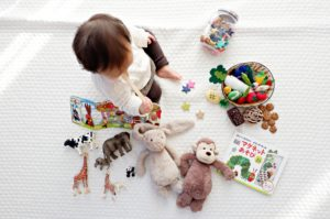 Entertain your kids during a move