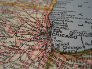 Illinois map - Even though you are planning on finding a new home online when moving from California to Illinois, make sure to visit that place before you buy it.