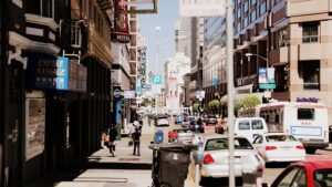 LA street - If you are planning on moving here, then make sure you know what are neighborhoods in LA for senior citizens.