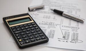 Calculator and bills to set the cost once you decide to move to the Californians' favorite East Coast city.